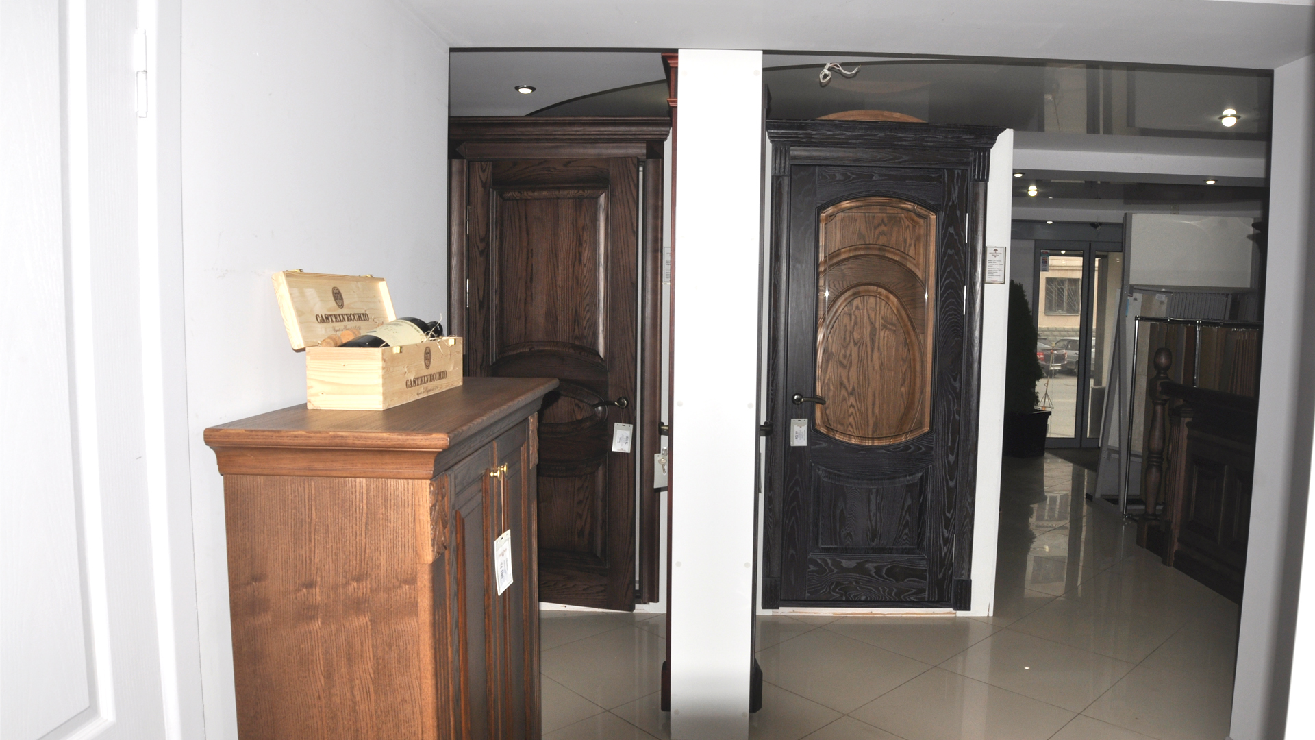 В сентябре коллекция дверей из массива fabrizio russo пополнилась тремя новинками